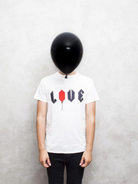 25-tm-balloon-love-white-69-min